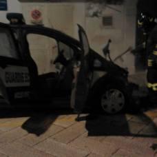 immagini statoquotidiano. Incendio autovettura via delle Cisterne (14.01.2020)