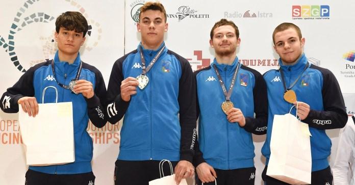 Emanuele Nardella e Marco Mastrullo conquistano la medaglia d'argento nella prova di sciabola a squadre degli Europei Cadetti e Giovani, andata in scena ieri pomeriggio sulle pedane di Porec (Croazia)