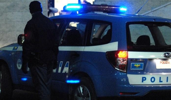 AGENTI POLIZIA NOTTE (ph cronacaqui, archivio)