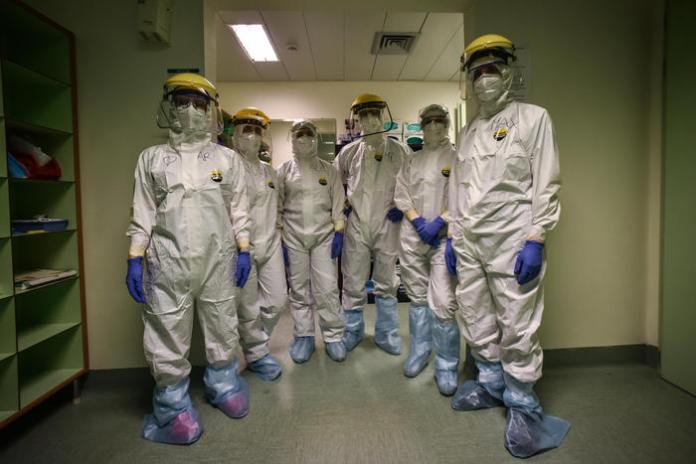 Dressing operations for doctors and nurses in the Covid-19 ward of Humanitas Hospital in Rozzano, near Milan, Italy, 08 April 2020. Italy is under lockdown in an attempt to stop the widespread of the Sars-Cov-2 coronavirus causing the Covid-19 disease.