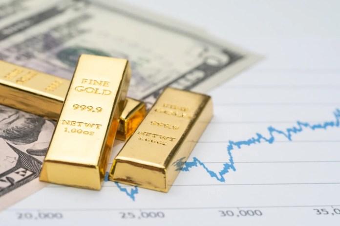 Chi commercia in oro e materie prime sa quanta differenza può fare un singolo anno sui mercati. La fine del 2018 ha visto il prezzo dell'oro trovare difficoltà a superare la barriera dei 1.300$ per oncia e le società di estrazione di metalli preziosi si sono trovate ugualmente in depressione