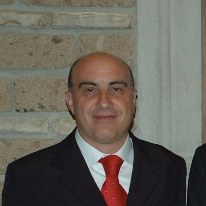 Si svolgeranno oggi, sabato 23 maggio 2020, i funerali per tributare l'ultimo saluto a Leonardo Gallo, agente della Polizia Municipale di Orsara di Puglia