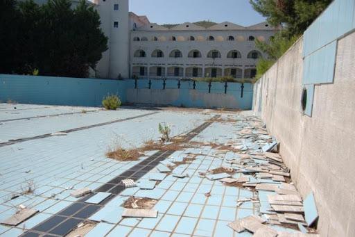 Regione Puglia cerca acquirenti per l'incompiuto Baia dei Campi