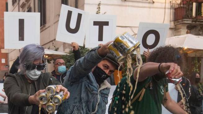 protesta titolari attività a Firenze (ph La Nazione)