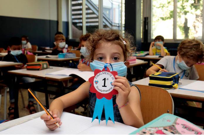 Una classe di prima elementare di Modena nel primo giorno di scuola, Modena, 14 Settembre 2020. ANSA / ELISABETTA BARACCHI