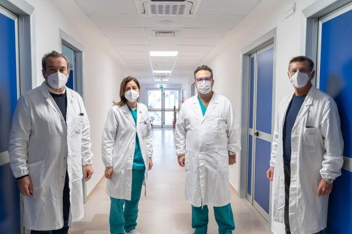 Foggia, 01 dicembre 2020. La direzione generale ha attivato già da qualche settimana, nell'ambito del piano aziendale dell'emergenza Covid, un nuovo livello di allerta per la particolare virulenza con conseguente alta ospedalizzazione dei pazienti positivi al coronavirus presso il Policlinico Riuniti nel mese di novembre.