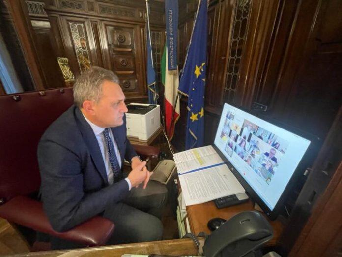 Si è tenuto, in videoconferenza, l'incontro sul Recovery Fund che il Presidente della Provincia, Nicola Gatta, nel suo intervento introduttivo, ha definito essere un'occasione irripetibile per lo sviluppo del Paese e della Capitanata in particolare