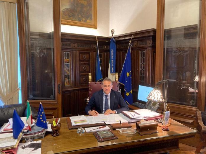 La Provincia di Foggia ha adottato la determinazione che approva la documentazione propedeutica al Bando di Gara, alla cui pubblicazione provvederà Invitalia spa, relativo alla viabilità a servizio del distretto turistico del Gargano per la sistemazione funzionale della SP 53 Mattinata-Vieste.