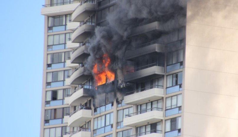 Raw video Deadly Honolulu highrise fire  Statter911
