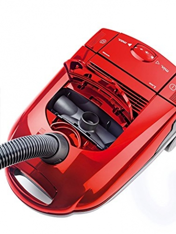 AEG Vampyr CEANIMAL, 1500 Watt Bodenstaubsauger im Test daheim