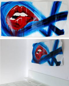 red-lips on aluminium