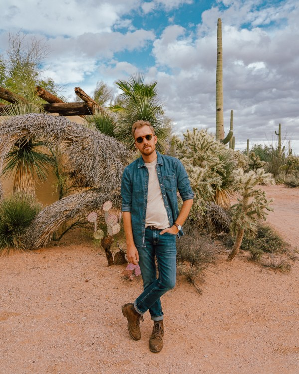 In the Desert with Tommy and Zappos - Stay Classic