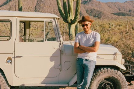 Saguaros and a Land Cruiser in Arizona - Stay Classic