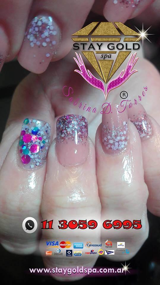 esculpir uñas gelificadas o acrilicas