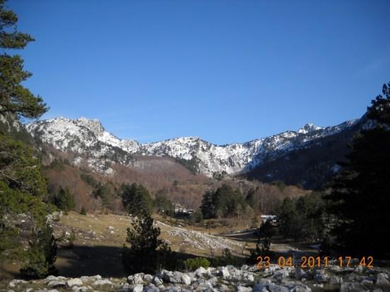 Dolina Dobri Dol u podnožju vrhova Orijena