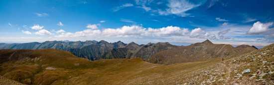 Panorama Fagaraša sa uspona na Moldoveanu