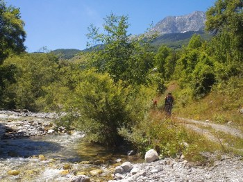 Putem uz tok reke Perućice