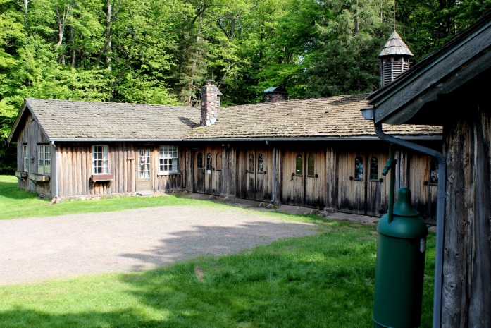 forest-lodge-cow-palace