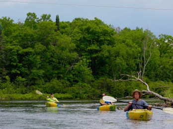 River Bum Log: Paddling past the pipeline