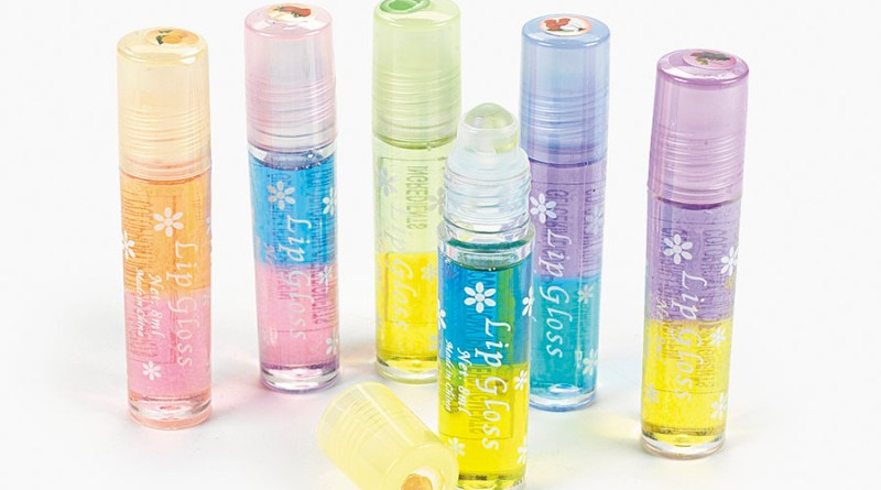 two-tone lip gloss / wholesalecentral.com