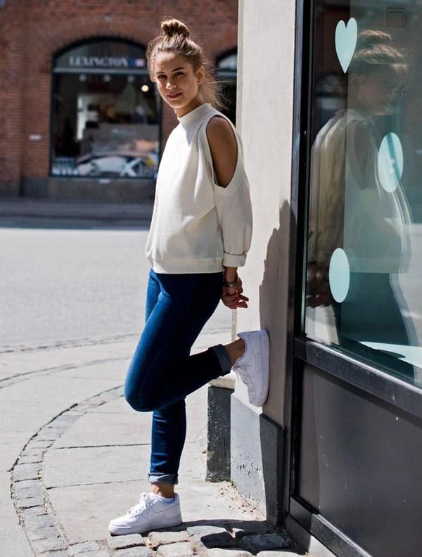 look cut out shoulder top calça jeans