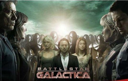 미국 드라마 배틀스타 갤럭티카는 인간과 로봇의 우주전쟁을 그리고 있다. [미국 Syfy 채널]