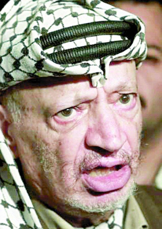 1969~2004년 팔레스타인 해방기구(PLO) 의장을 맡았던 야세르 아라파트.[중앙포토]