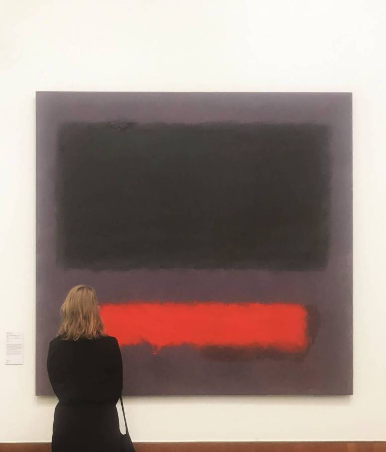 Visitors at Mark Rothko. Fotography: Ilja van Vlaardingen - ©Pictoright Amsterdam 2019