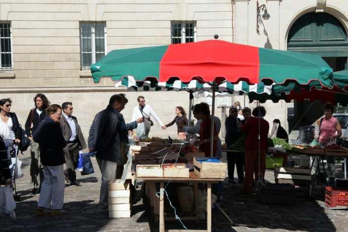 Markt in Poitiers in het westen van Frankrijk