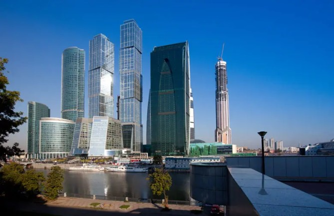 Moskou Eurasia (l)