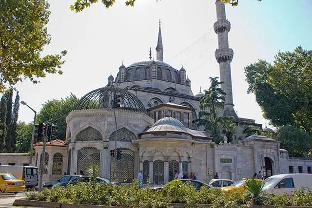 Yeni-Valide-Camii-Moskee-web