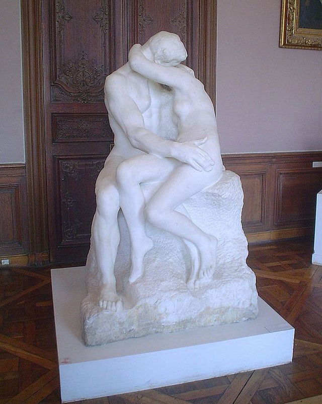 The-Kiss-in-musee-Rodin
