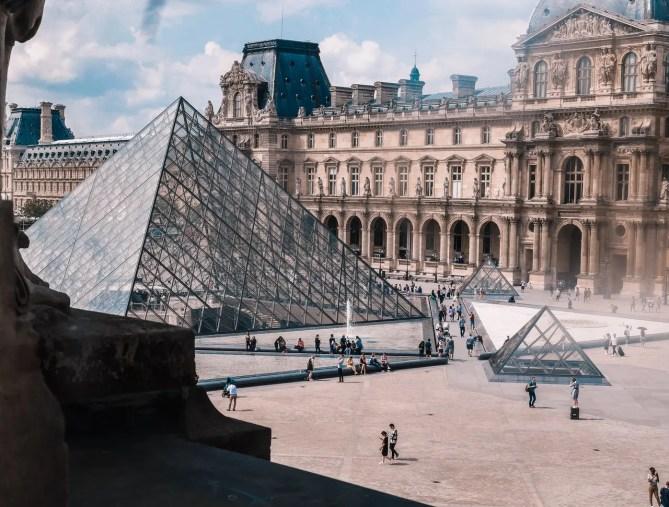 Ervaar de unieke sfeer van een wereldstad met een last-minute Parijs