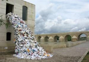 ArtistAliciaMartin1-_tb7v avalanch of books
