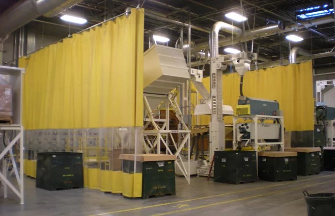 Industrial Curtains & Screens Plastic Safety Barrier Walls