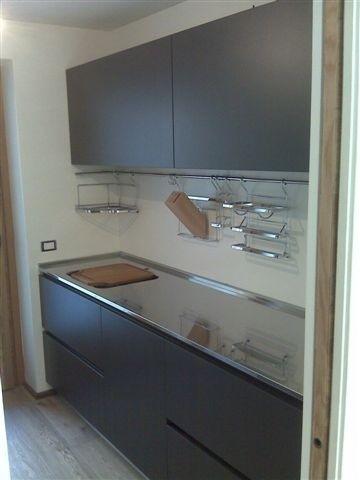 Non esiste ovviamente un modello di cucina lineare, perché ognuno può essere. C21 Cucina Su Due Lati Cucine In Acciaio Cucine Di Design Cucine Moderne Steellart Piacenza