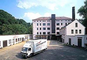 Bohemia Fabriek waar Schlogl Piano's en Vleugels gemaakt worden