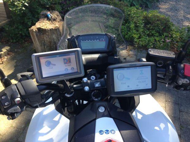 Så er der kommet GPS på cyklen. Det er nødvendigt med 2 stk for at holde overblikket
