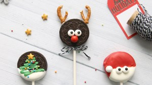 Add a Festive Twist to Your Oreo Cookies
