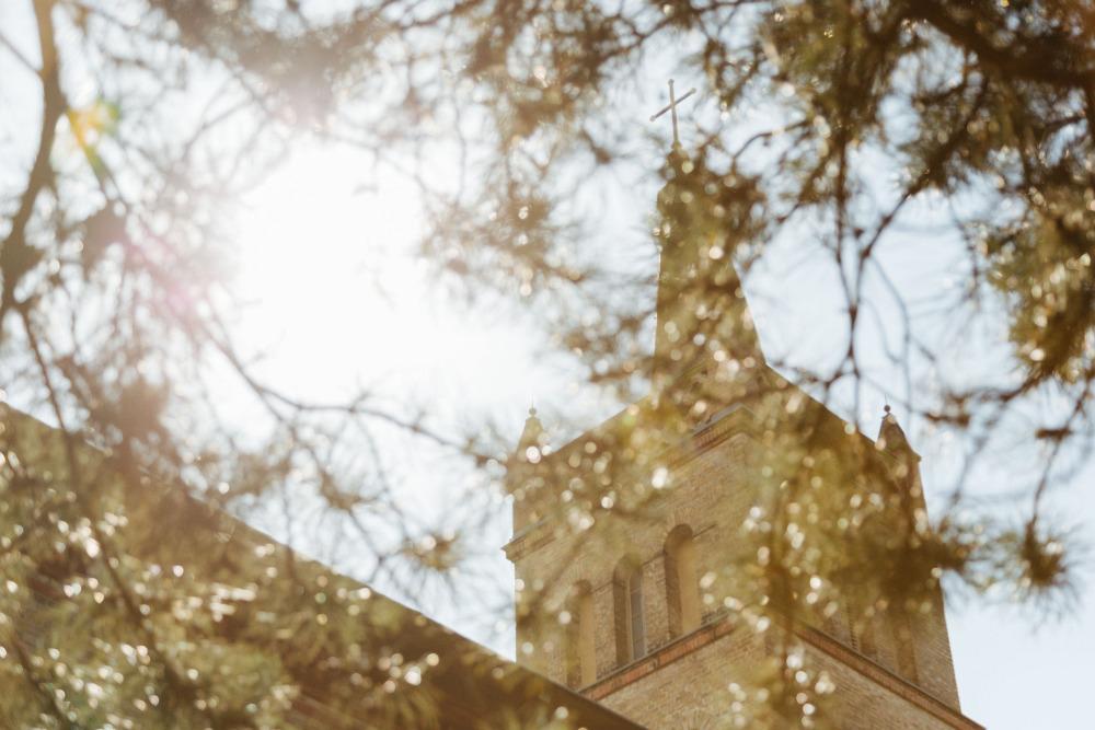 Trauung in der Kirche Petzow  Stefan Deutsch  Fotograf fr Hochzeit Business Presse und Event