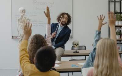 Idee per la scuola: dagli orari febbrili all'educazione lenta