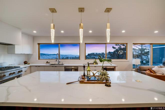 Luxurious Home in Quiet Diamond Heights Area