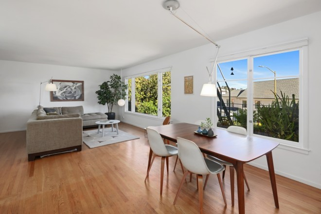 Mid-century Charm in Clarendon Heights!
