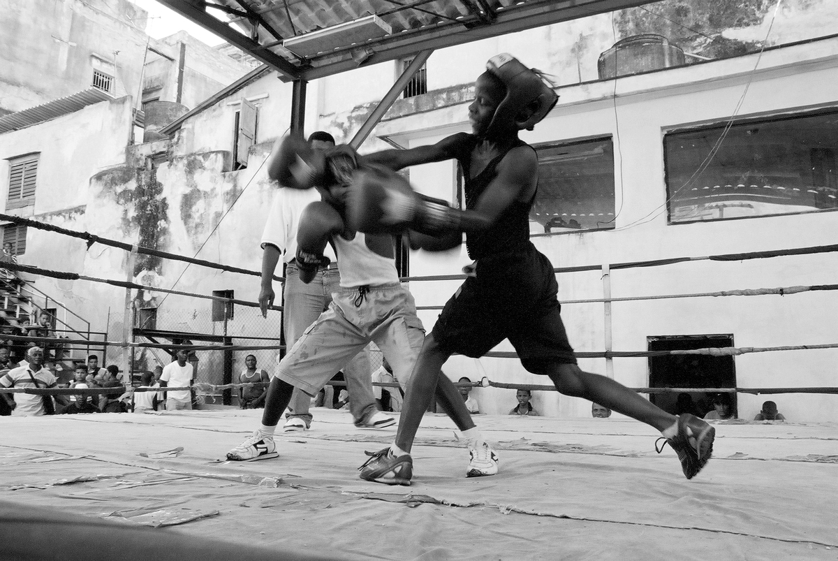 """Young boxers training at the Cubal Boxe club """"Boxeo Rafael Trejo""""."""