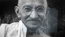 Henri-Cartier-Bresson-Mahatma-Gandhi-in-his-Final-Hour-1948