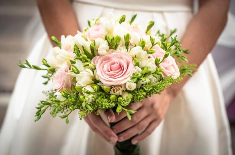 Tutto quello che devi sapere sul bouquet da sposa e il suo momento