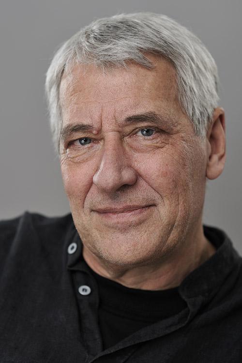 Ulf Nilsson, barnboksförfattare - porträttfoto i fotostudio