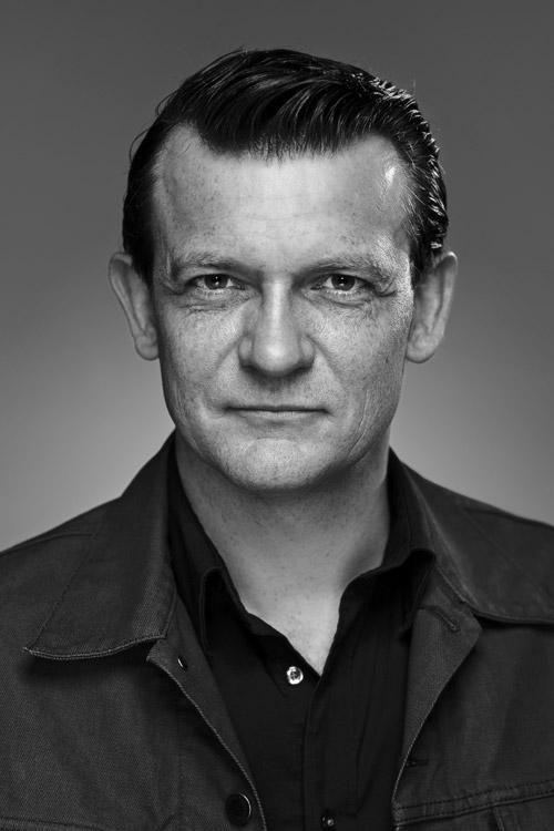 Peter Barlach, författarporträtt i svartvitt. Fotograf Stefan Tell