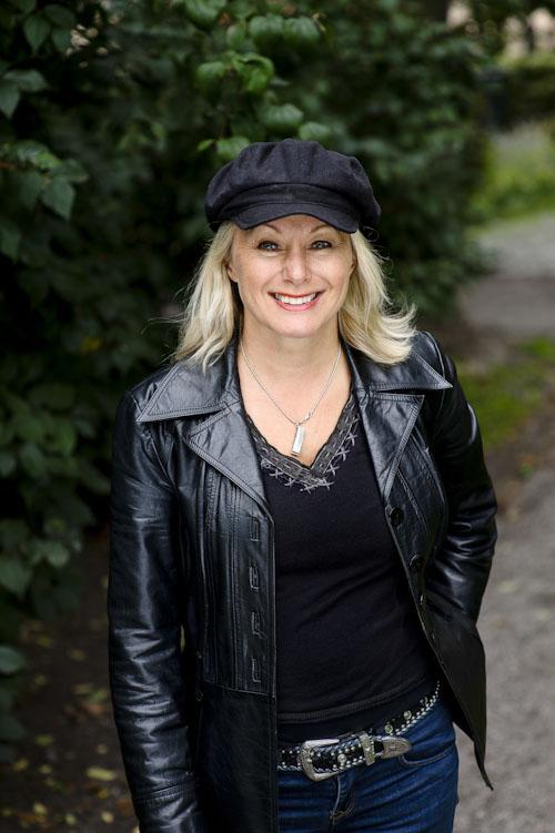 Louise Hoffsten. Fotografering av pressbild. Fotograf Stefan Tell