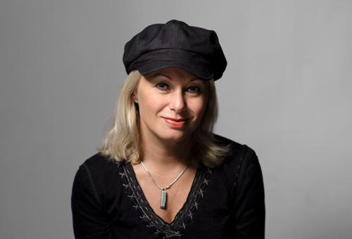 Louise Hoffsten, studiobild. Fotograf Stefan Tell
